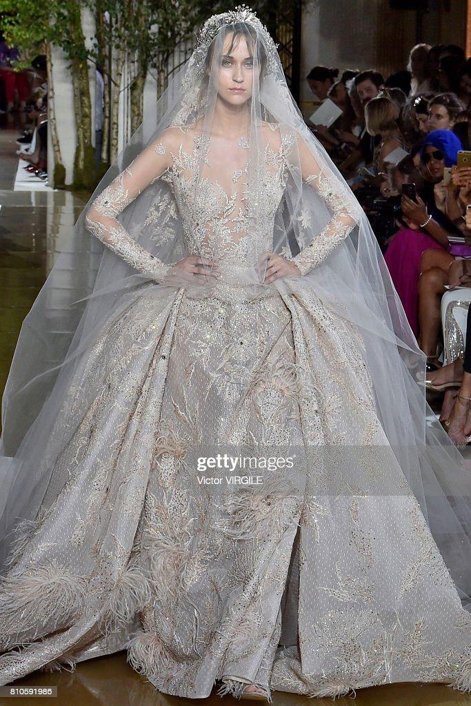 Zuhair Murad : Runway - Paris Fashion Week - Haute Couture Fall/Winter 2017-2018 : News Photo