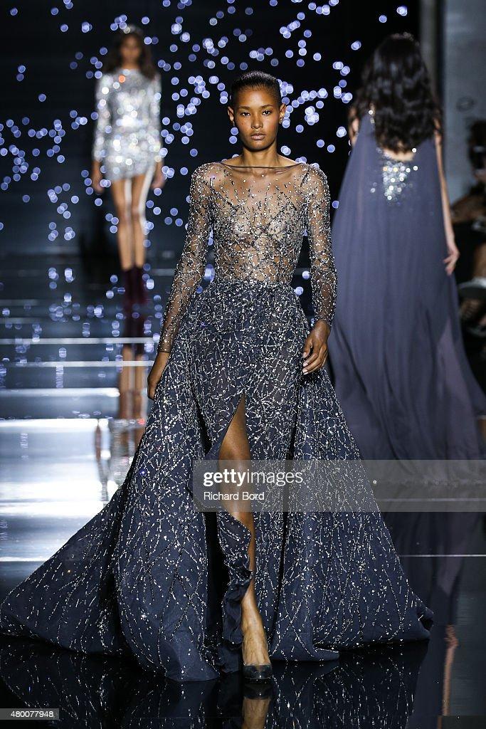 Zuhair Murad : Runway - Paris Fashion Week - Haute Couture Fall/Winter 2015/2016 : News Photo