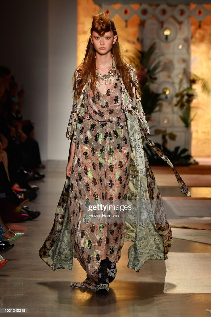 Anna Sui - Runway - September 2018 - New York Fashion Week: The Shows : News Photo