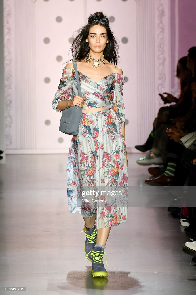 Anna Sui - Runway - September 2019 - New York Fashion Week: The Shows : News Photo