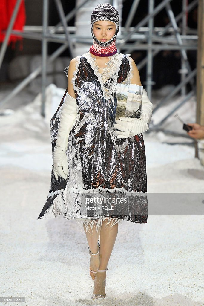 Calvin Klein Collection - Runway - February 2018 - New York Fashion Week : News Photo