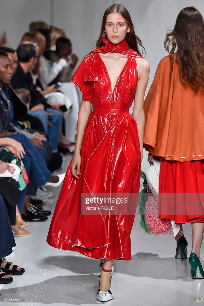 Calvin Klein Collection - Runway - September 2017 - New York Fashion Week : News Photo