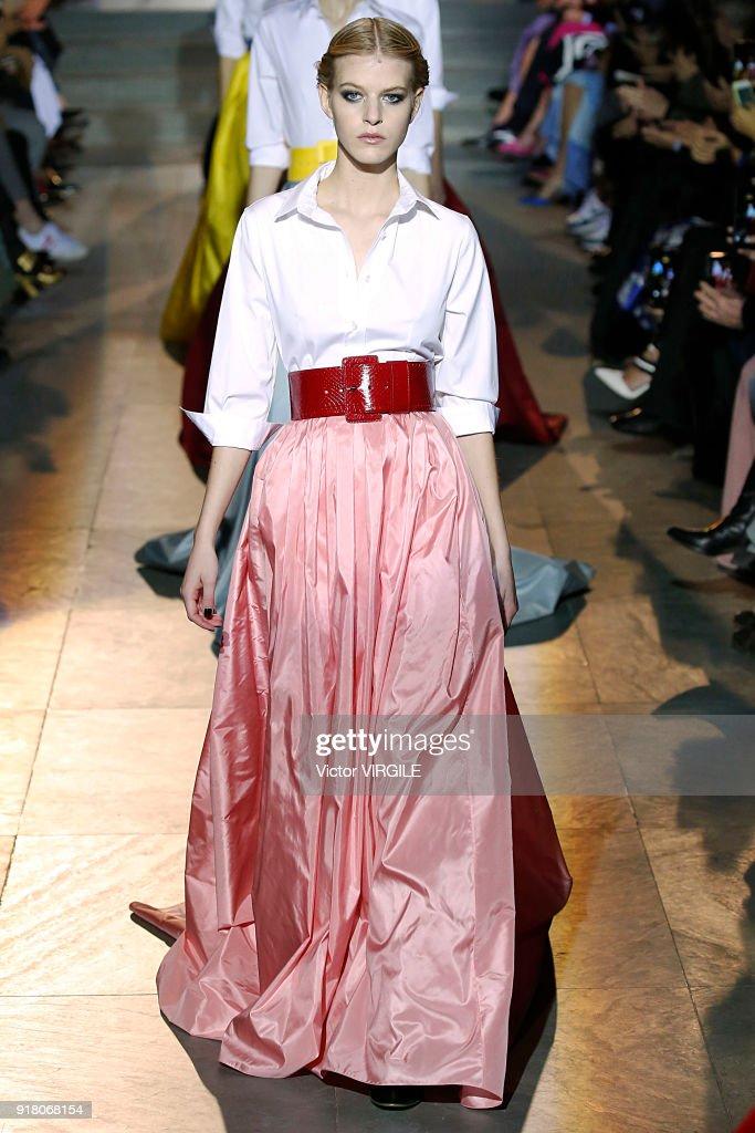 Carolina Herrera - Runway - February 2018 - New York Fashion Week : News Photo