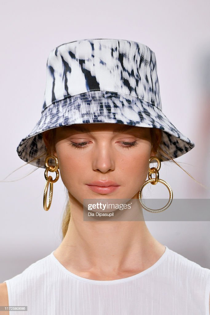 Elie Tahari - Runway - September 2019 - New York Fashion Week: The Shows : Photo d'actualité