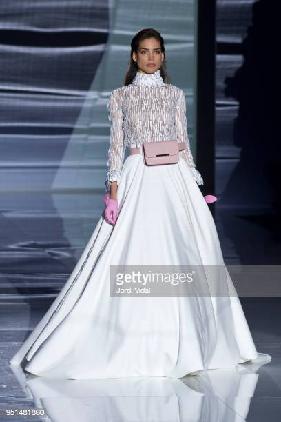 Model walks the runway for Isabel Zapardiez collection during Barcelona Bridal Fashion Week at Fira de Barcelona on April 26, 2018 in Barcelona,...