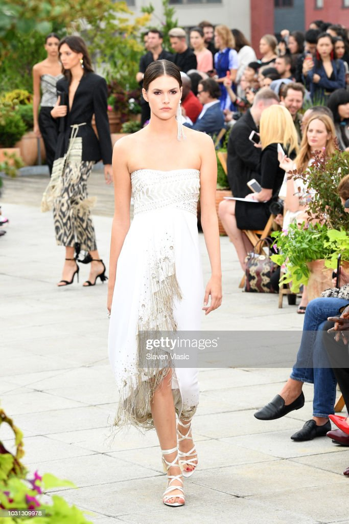 Oscar De La Renta - Runway - September 2018 - New York Fashion Week: The Shows : ニュース写真