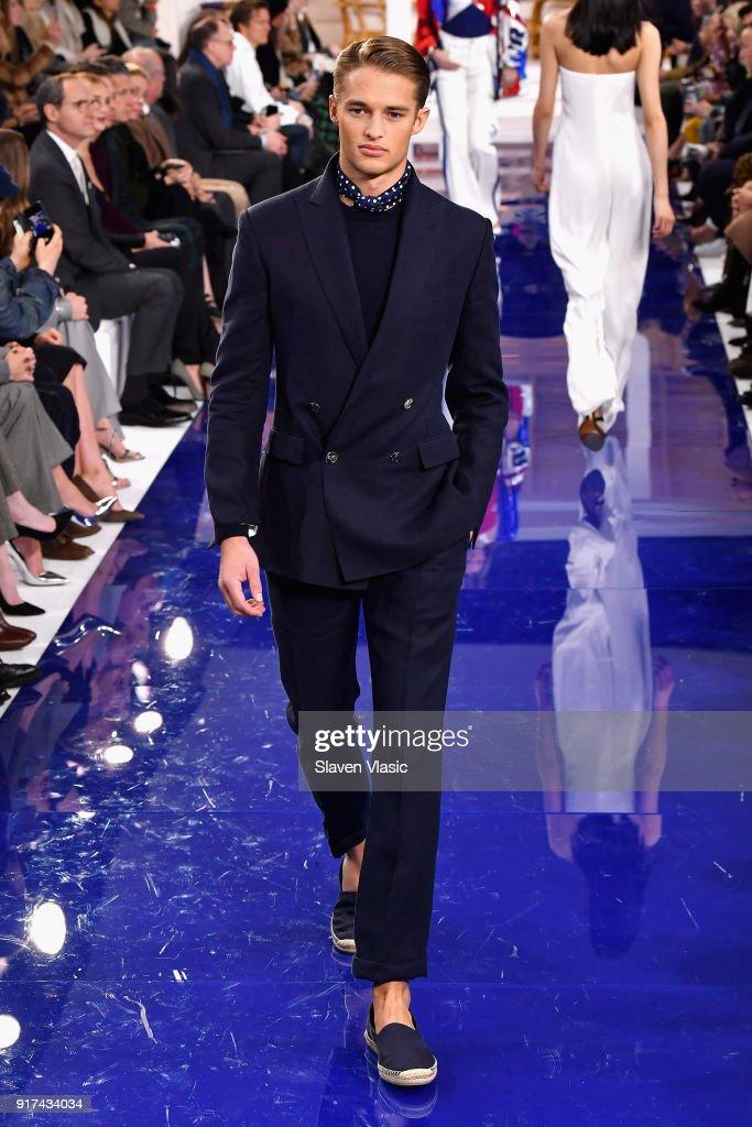 Ralph Lauren - Runway - February 2018 - New York Fashion Week : ニュース写真