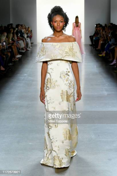 A model walks the runway for Tadashi Shoji Spring/Summer 2020 during New York Fashion Week The Shows at Gallery I at Spring Studios on September 05...