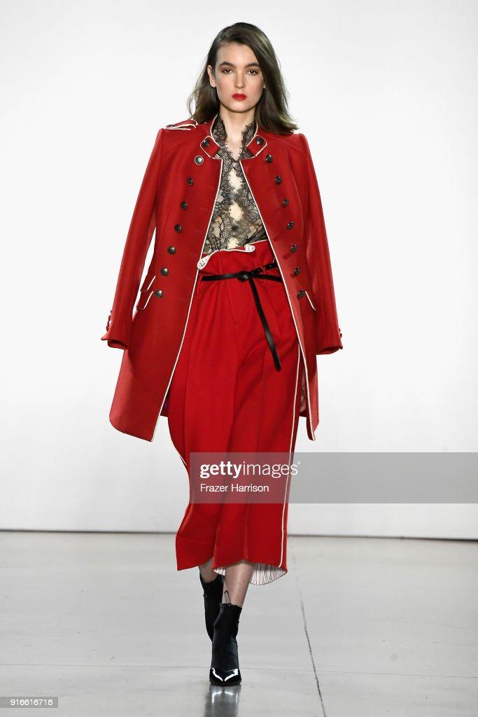 Taoray Wang - Runway - February 2018 - New York Fashion Week: The Shows : News Photo