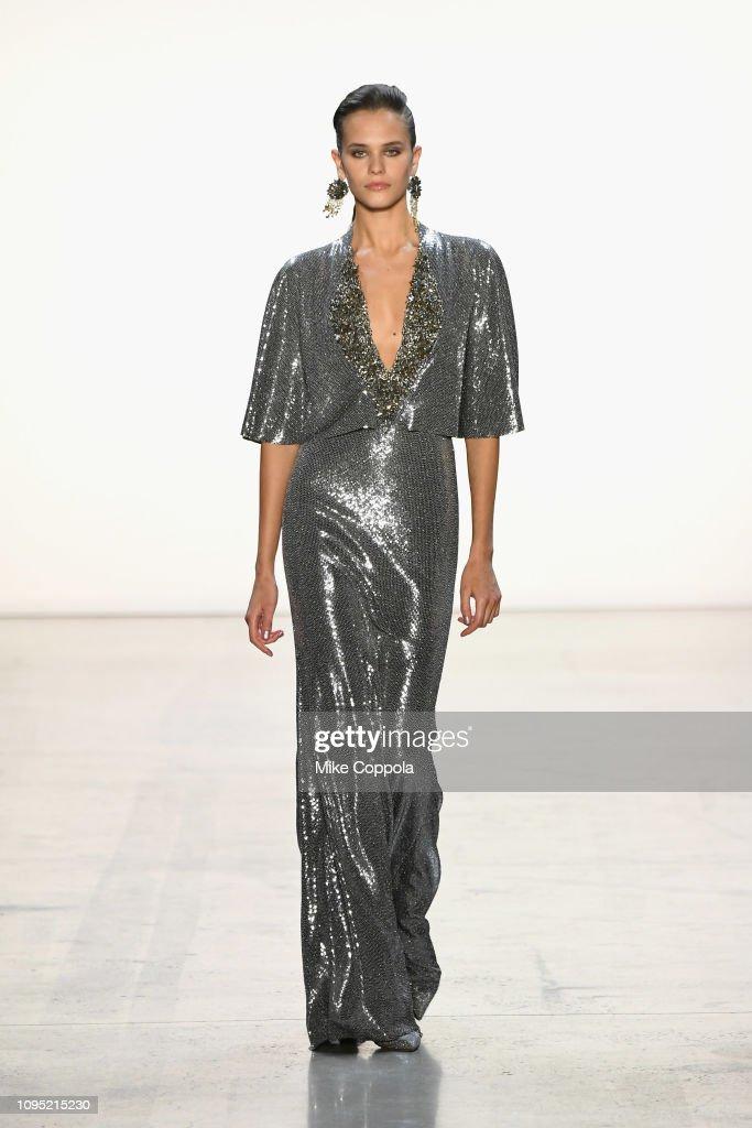 Badgley Mischka - Runway - February 2019 - New York Fashion Week: The Shows : News Photo