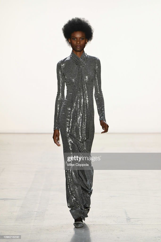 Badgley Mischka - Runway - February 2019 - New York Fashion Week: The Shows : ニュース写真