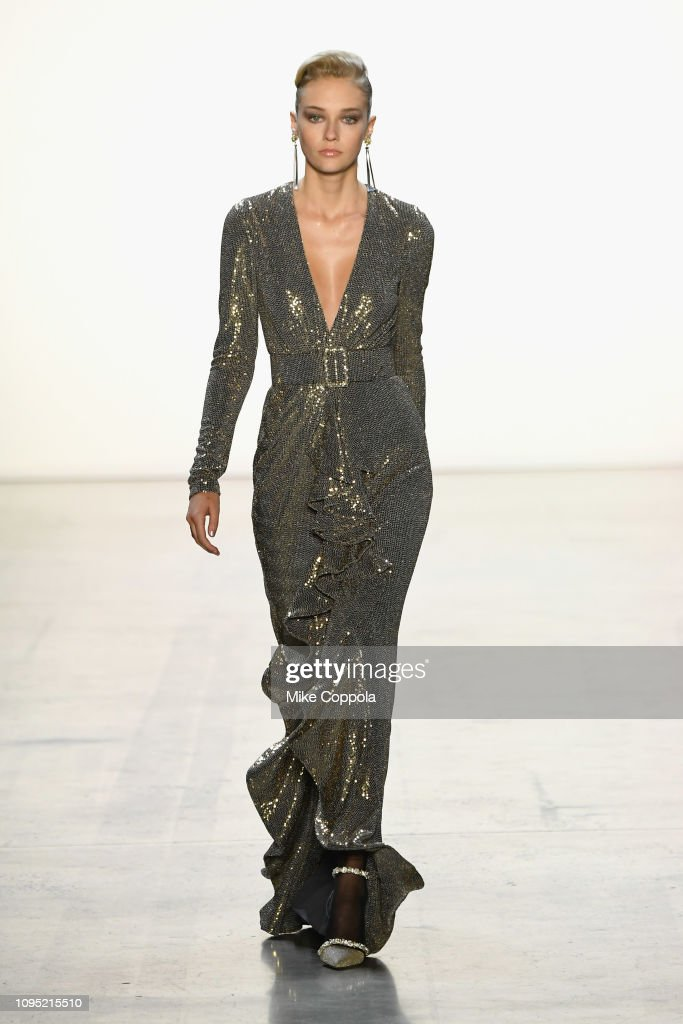 Badgley Mischka - Runway - February 2019 - New York Fashion Week: The Shows : News Photo