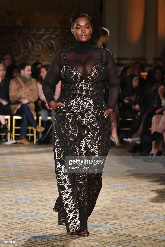 Christian Siriano - Runway - February 2017 - New York Fashion Week: The Shows : News Photo