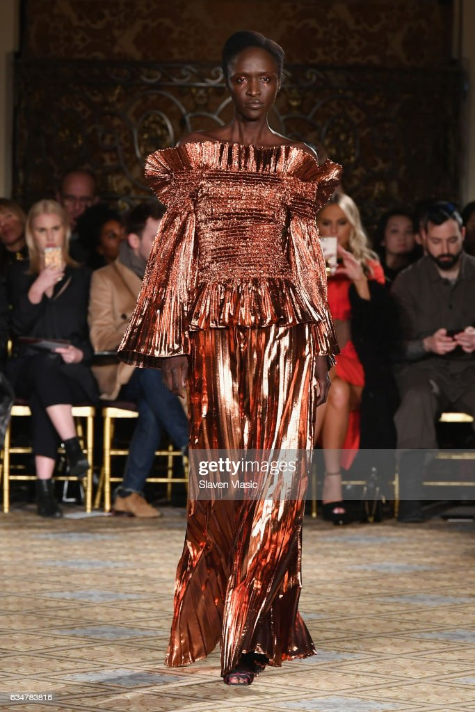 Christian Siriano - Runway - February 2017 - New York Fashion Week: The Shows : News Photo