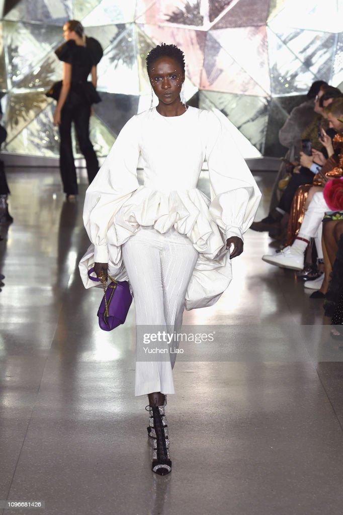 Christian Siriano - Runway - February 2019 - New York Fashion Week : News Photo