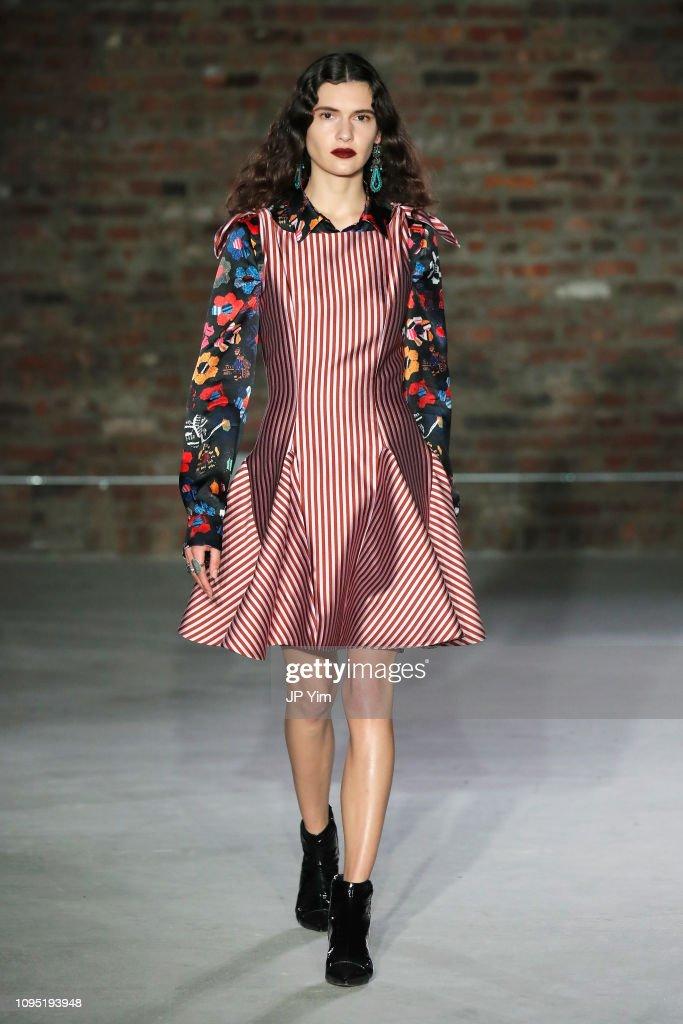 Jonathan Cohen - Runway - February 2019 - New York Fashion Week: The Shows : ニュース写真