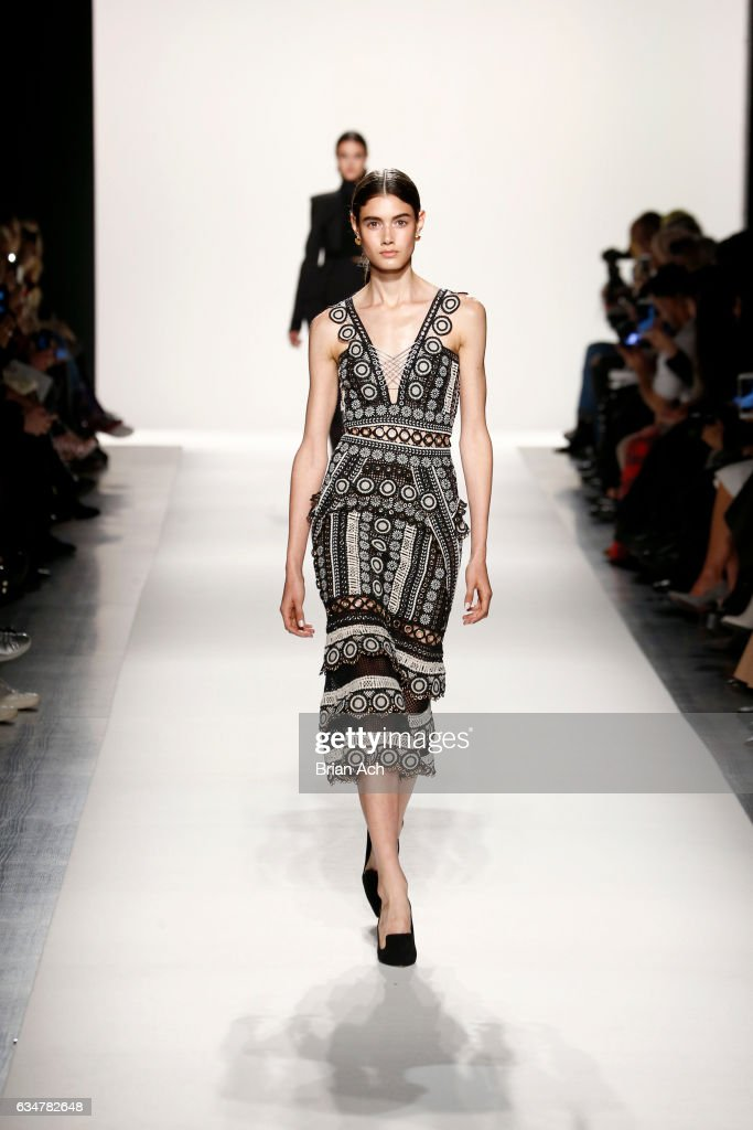 Jonathan Simkhai - Runway - February 2017 - New York Fashion Week: The Shows : News Photo