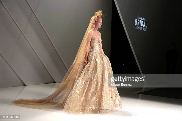 A model walks the runway for the Naeem Khan's bridal collection during the 'Barcelona Bridal Fashion Week 2016' at Fira Montjuic on April 27 2016 in...