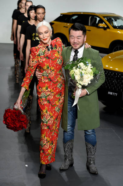NY: Sheguang Hu - Runway - February 2020 - New York Fashion Week: The Shows