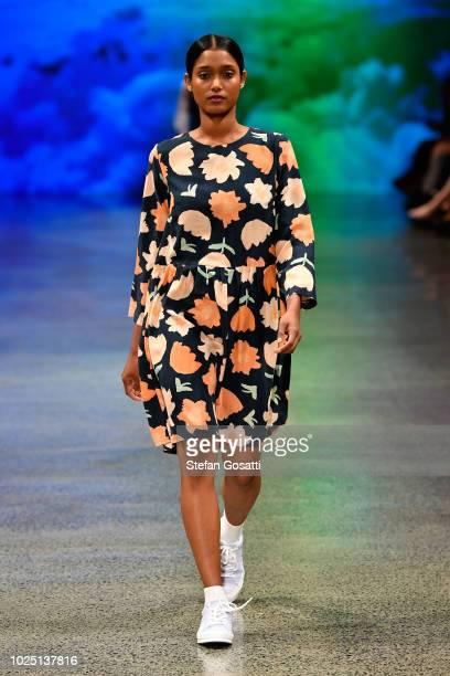 New Zealand Clothing Designers | Resene Designer Runway New Zealand Fashion Week 2018 Stock Fotos Und