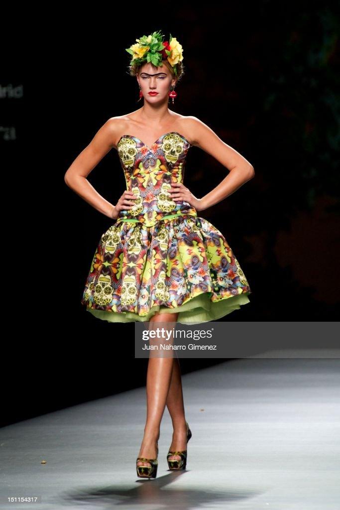 Mercedes Benz Fashion Week Madrid S/S 2013 - Ion Fiz and Maya Hansen : News Photo