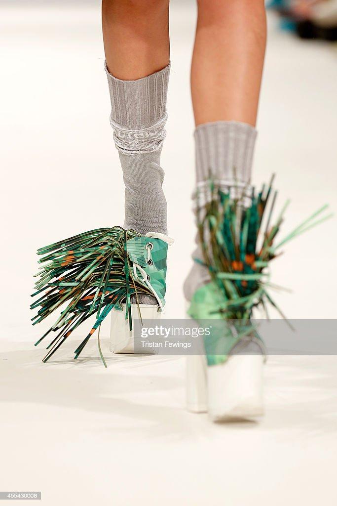 Accessories & Detail - London Fashion Week SS15 : Nachrichtenfoto