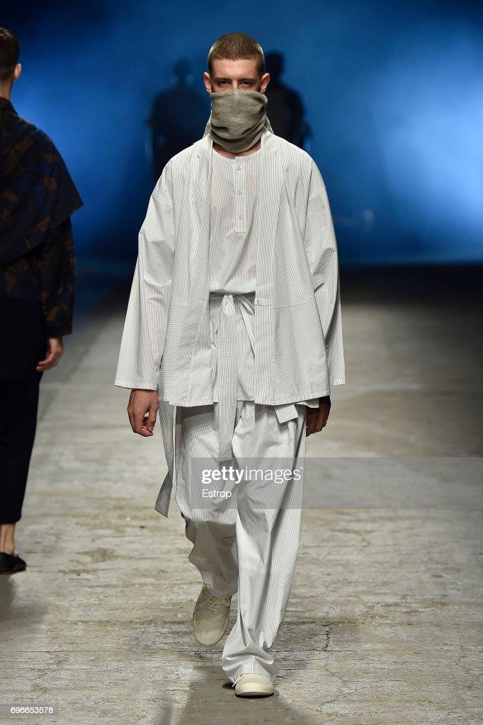 Yoshio Kubo  - 92. Pitti Uomo : ニュース写真