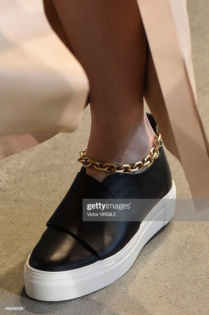 Calvin Klein Collection - Runway - Spring 2016 New York Fashion Week : News Photo