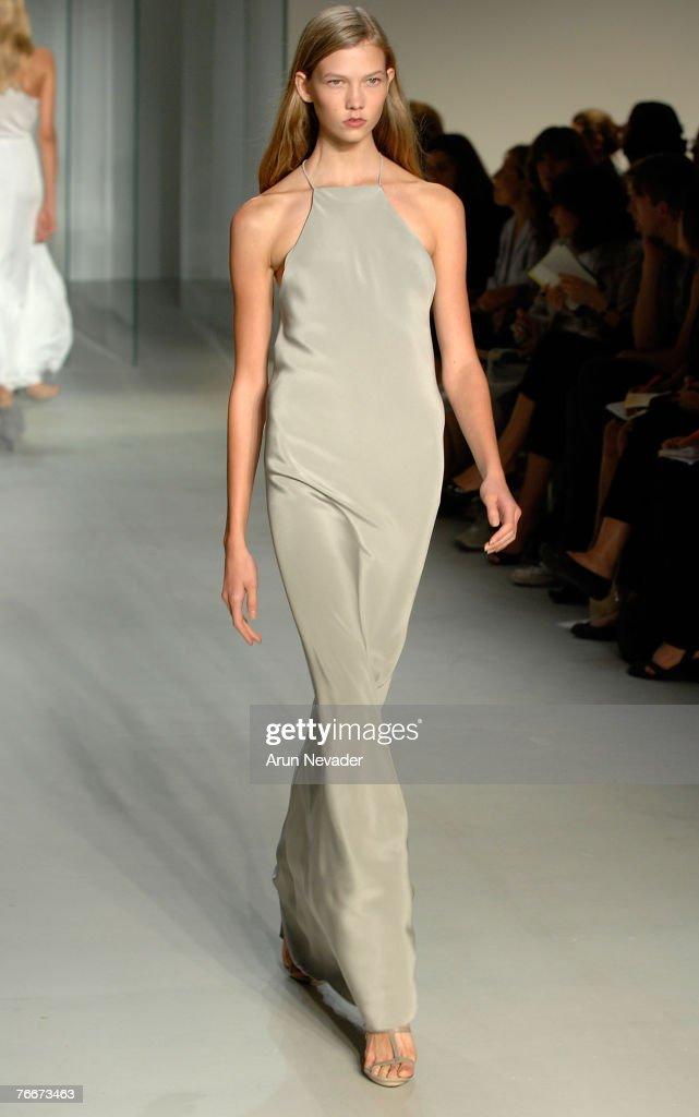 Calvin Klein Spring 2008 Collection - Runway : News Photo
