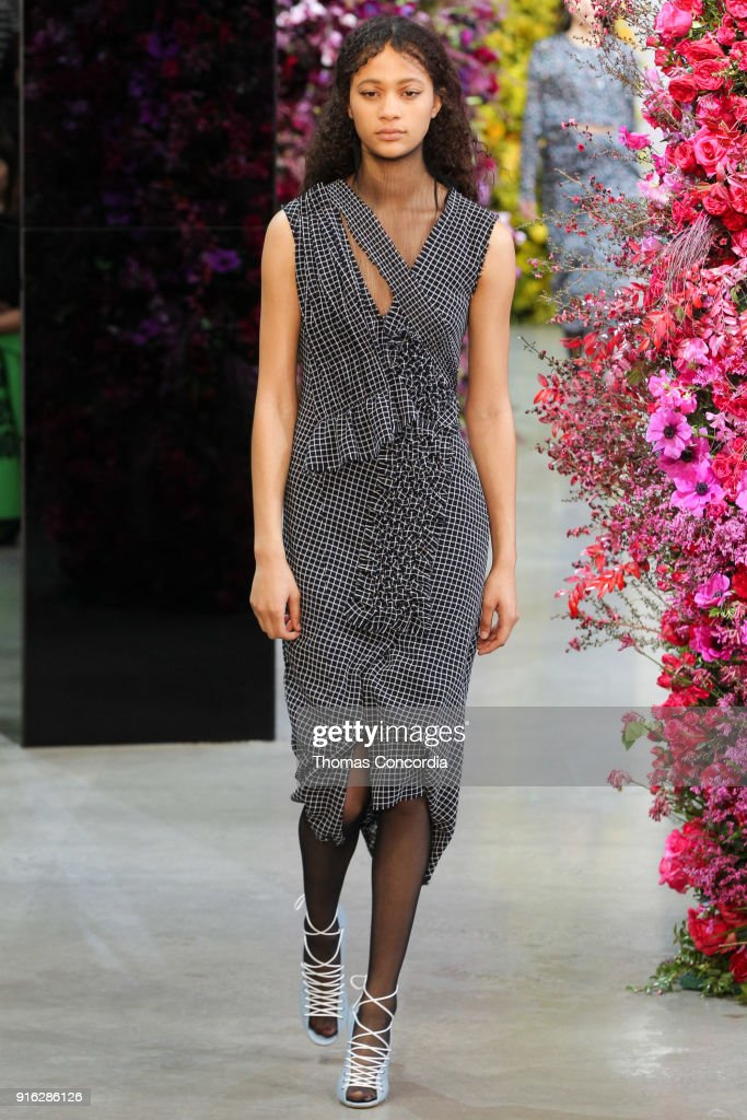 Jason Wu - Runway - February 2018 - New York Fashion Week: The Shows : News Photo
