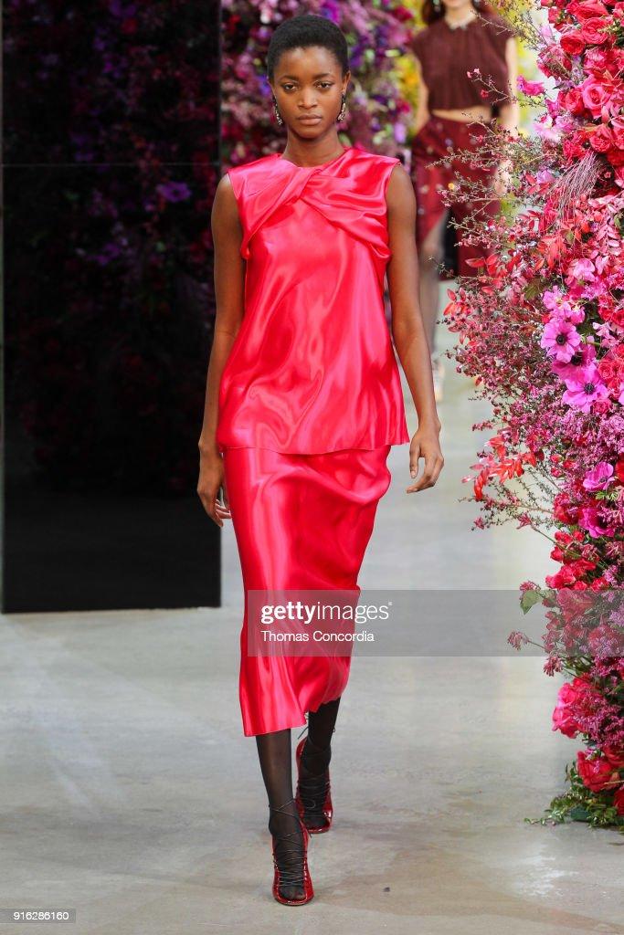 Jason Wu - Runway - February 2018 - New York Fashion Week: The Shows : ニュース写真