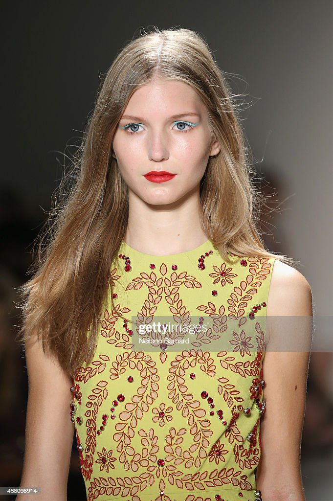 Jenny Packham - Runway - Spring 2016 New York Fashion Week: The Shows : News Photo