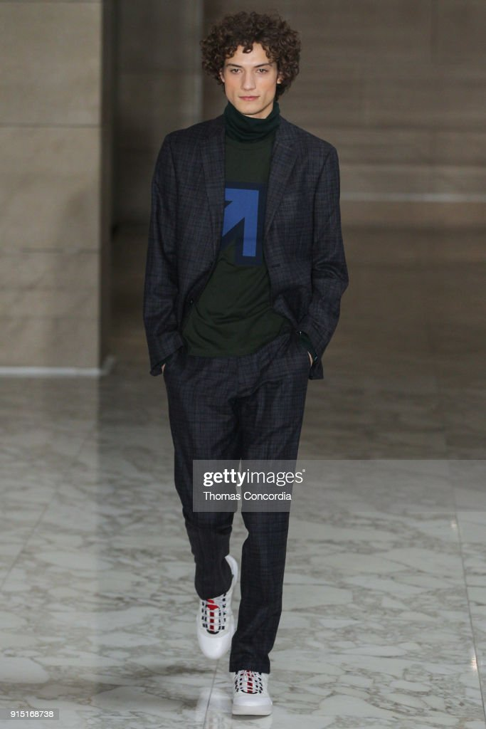 Perry Ellis - Runway - February 2018 - New York Fashion Week Mens' : ニュース写真