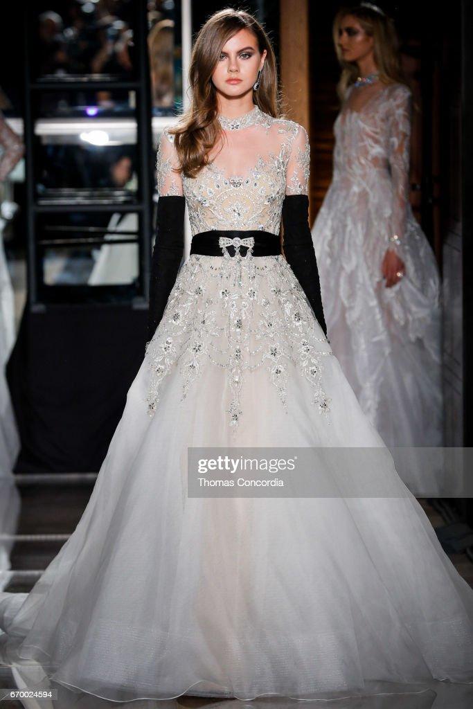 Reem Acra - Runway - New York Fashion Week: Bridal April 2017 : News Photo