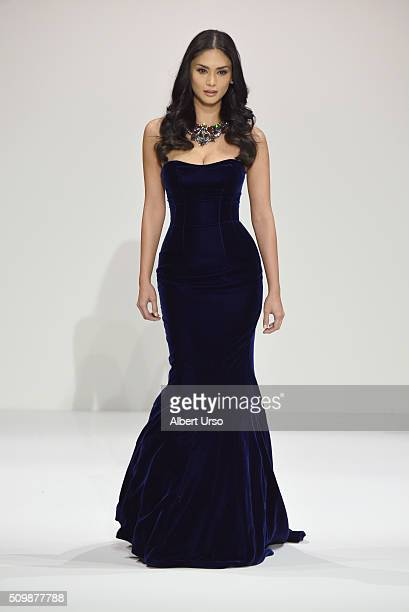 4b9160678 Sherri Hill Runway Fall 2016 New York Fashion Week The Shows ...