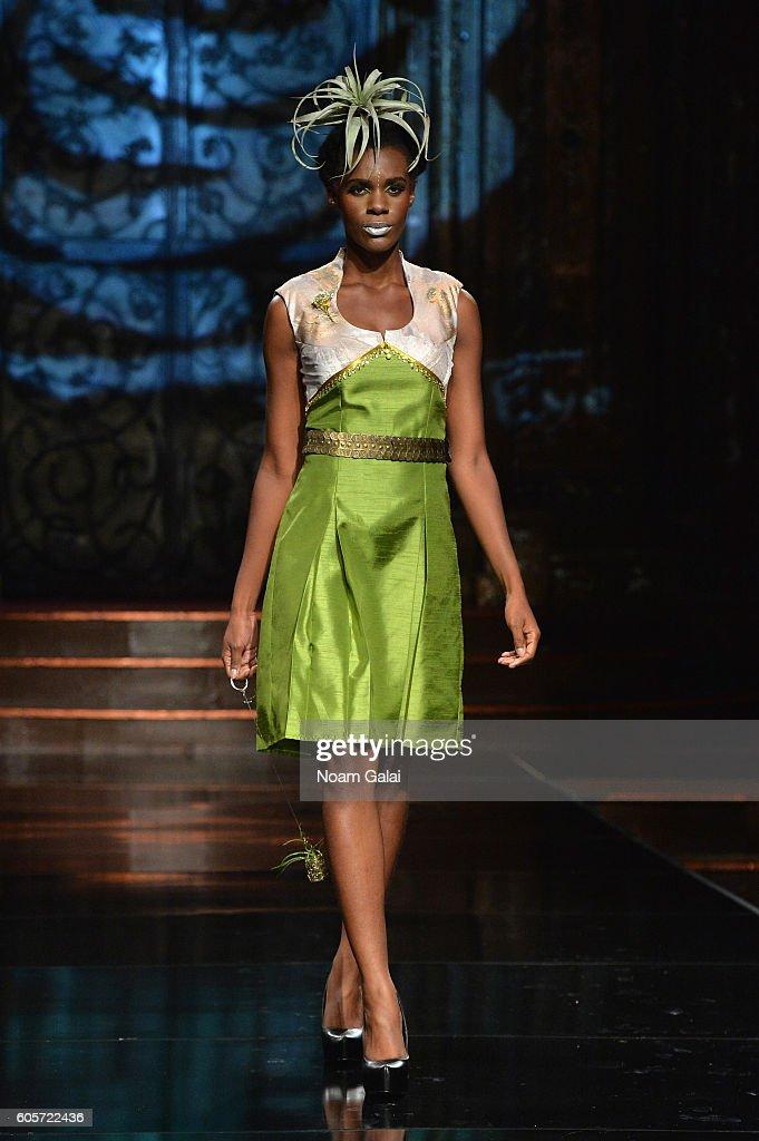 NY: Art Hearts Fashion - Runway - September 2016 - New York Fashion Week: The Shows