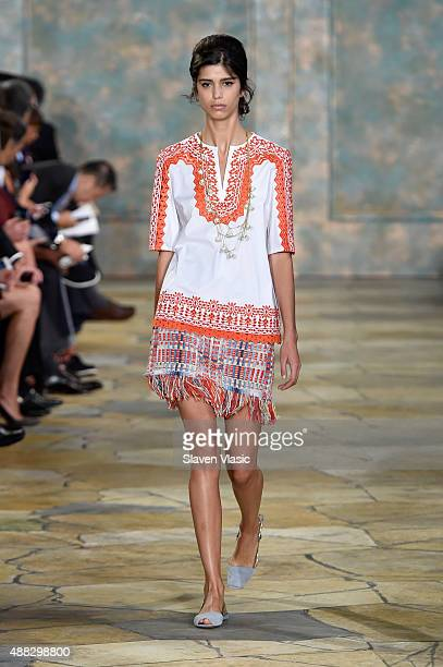 A model walks the runway wearing Tory Burch Spring 2016 at Avery Fisher Hall at Lincoln Center for the Performing Arts on September 15 2015 in New...