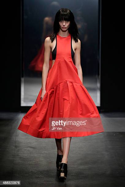 A model walks the runway wearing Vera Wang Spring 2016 during New York Fashion Week at Cedar Lake on September 15 2015 in New York City