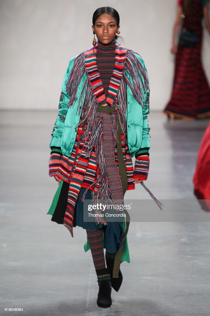 Vivienne Tam - Runway - February 2018 - New York Fashion Week: The Shows