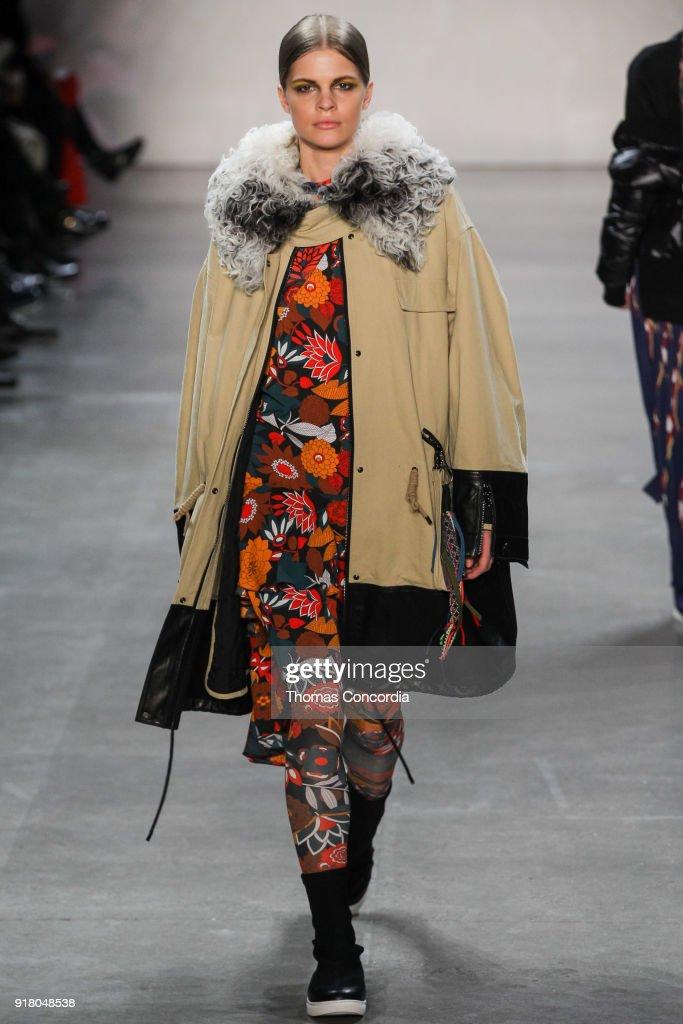 Vivienne Tam - Runway - February 2018 - New York Fashion Week: The Shows : News Photo