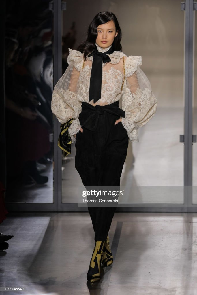 Zimmermann - Runway - February 2019 - New York Fashion Week: The Shows : News Photo