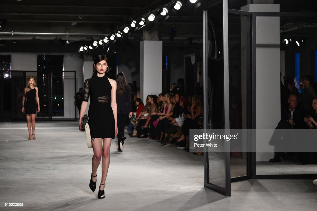 A model walks the ruway at Cushnie Et Ochs Fashion Show during New York Fashion Week at Pier 17 on February 9, 2018 in New York City.