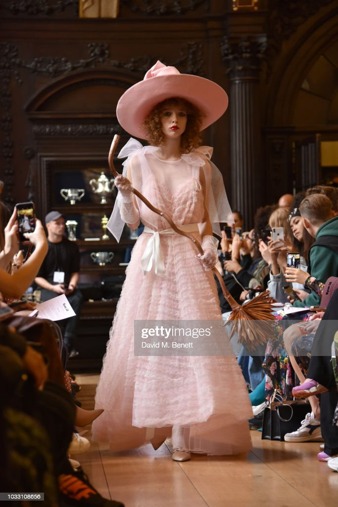 A model walks to runway at the Ryan LO show during London Fashion Week September 2018 at Stationers' Hall on September 14, 2018 in London, England.