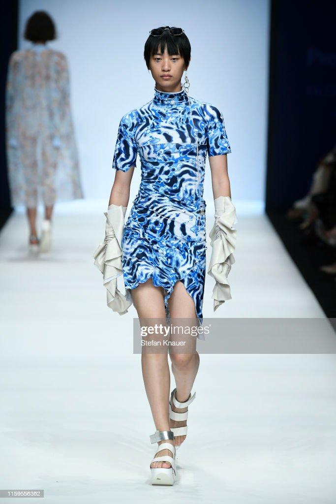 NEONYT - Show - Berlin Fashion Week Spring/Summer 2020 : News Photo