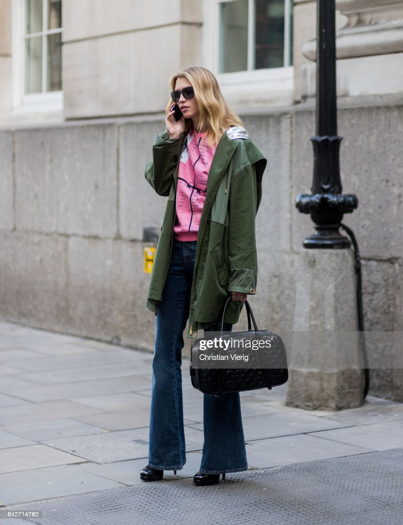 Street Style: Day 2 - LFW February 2017 : News Photo