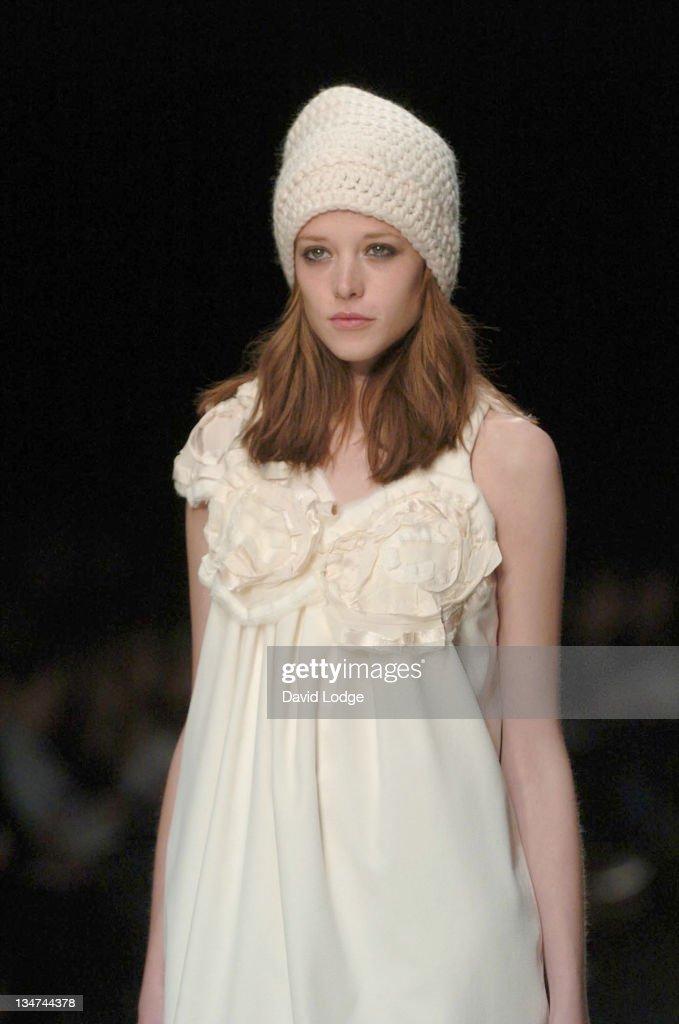 London fashion week 2006 41