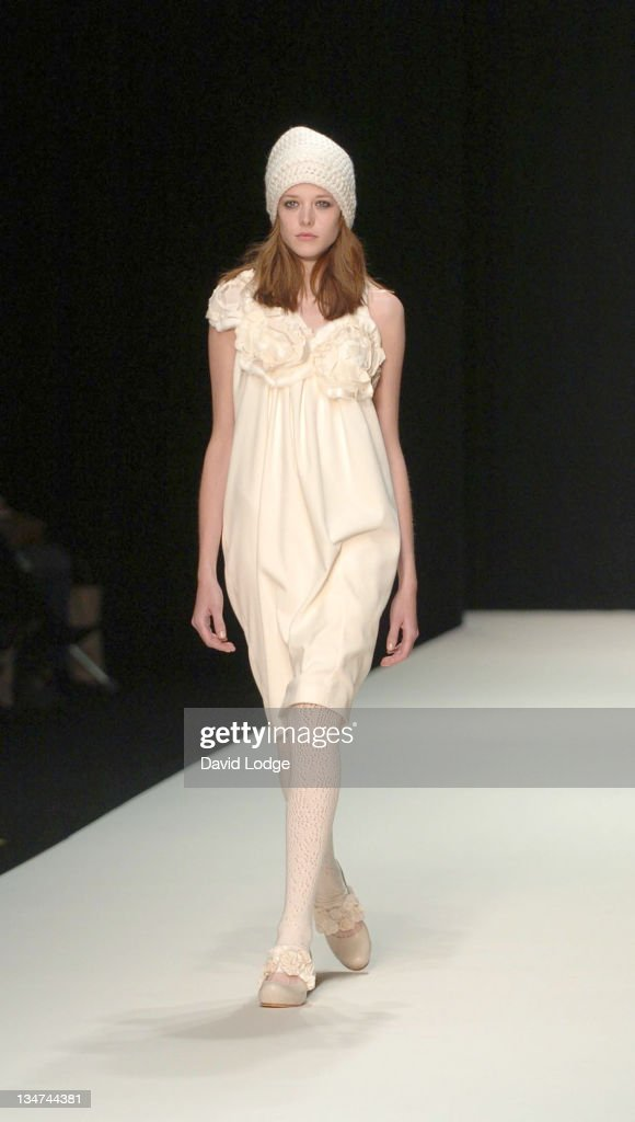 London fashion week 2006 20