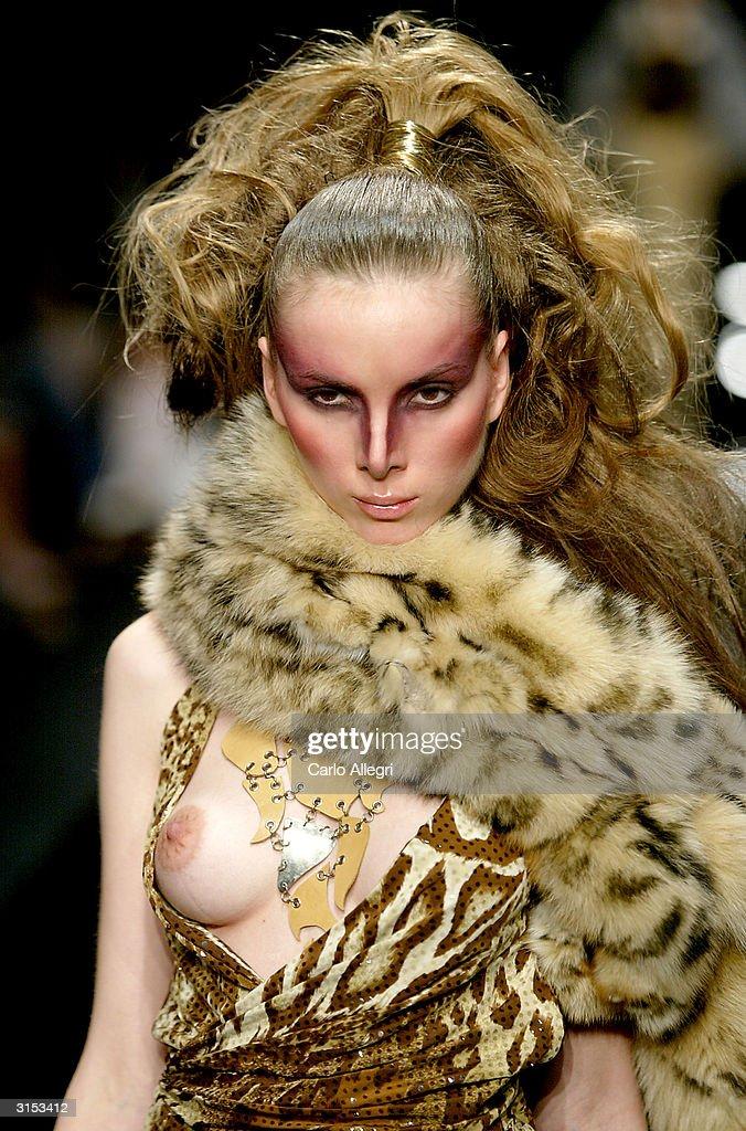 Mercedes-Benz Fashion Week - Lloyd Klein Show : Nyhetsfoto