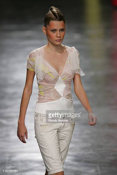Model wearing Mareu Nitschke Spring/Summer 2006 during Sao Paulo Fashion Week Spring/Summer 2006 Mareu Nitschke Runway at Museum of Modern Art in Sao...