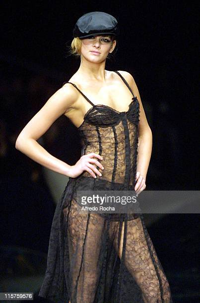 Model wearing Sonia Rykiel 2005 winter collection during Lisbon Fashion Week - Sonia Rykiel - 2005 Winter Collection at MODA LISBOA_SONIA RYKIEL in...